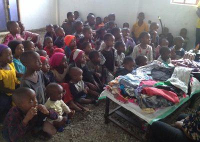 Clothes jitambue kwanza