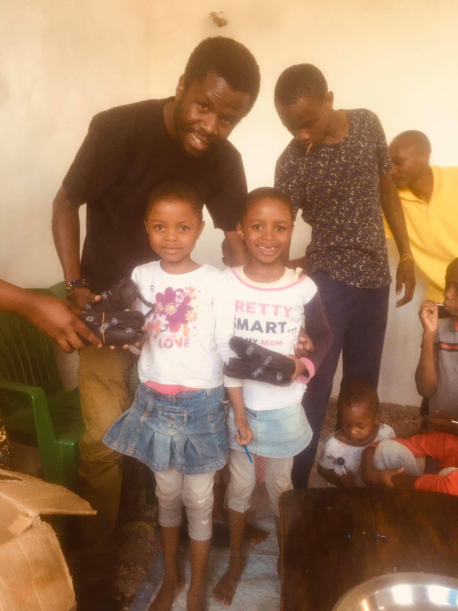 shoe giving jitambue kwanza